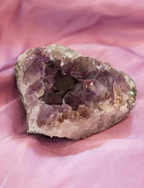Amethyst-8x6x3cm
